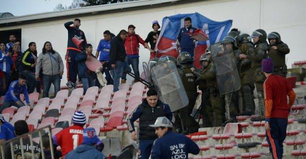 Photo of Partido entre Rangers y U. de Chile fue suspendido por desmanes de hinchas azules