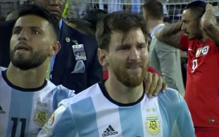 Photo of Prensa Argentina: No hubo 2 sin 3 y Messi terminó llorando