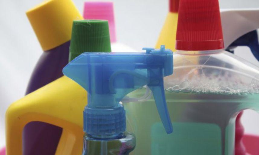 25-productos-quimicos-peligrosos-que-guardas-en-el-hogar