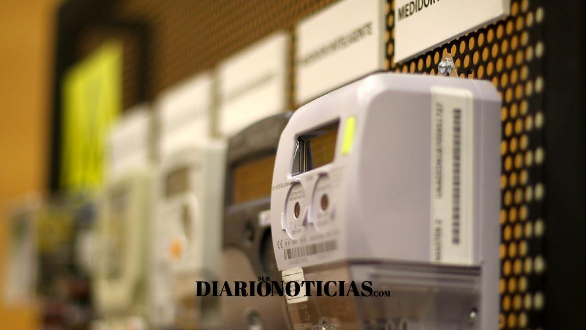 Photo of Todo por el dólar: Cuentas de luz tendrán un alza de un 30% para el año 2020