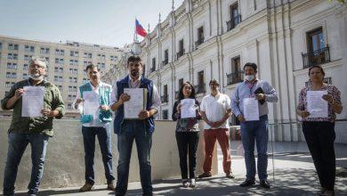 Photo of Alcaldes le exigen al Gobierno que decrete cuarentena total en toda la Región Metropolitana