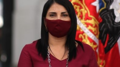 """Photo of Karla Rubilar se niega al retiro del 10% de las AFP: """"Mi opinión es buscar otras formas de ayudar, no ocupar los fondos de pensiones"""""""