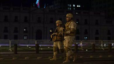 Photo of Militares dispararon a civiles por evitar control de toque de queda en Villa O'Higgins