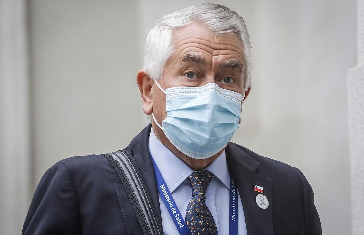 Photo of Minsal informó más de 2 mil nuevos casos y 54 fallecimientos por COVID-19